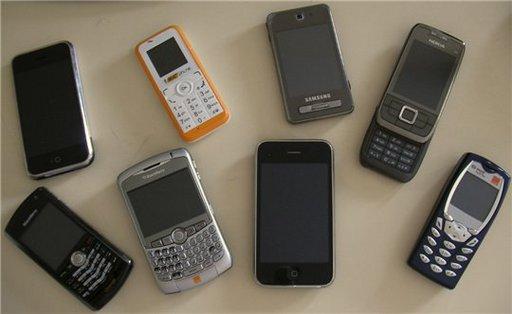 Pas toujours simple de choisir avec quel téléphone sortir le soir