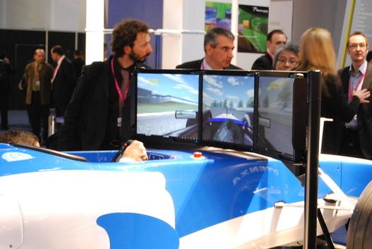 ( MWC ) On peut même faire un tour de F1