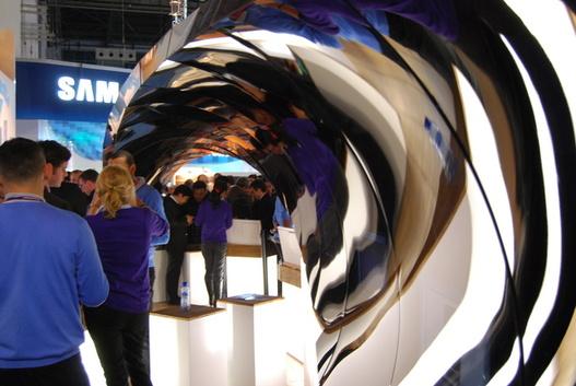 """( MWC ) Sony Ericsson casse la """" Wave """" de Samsung ( humour )"""