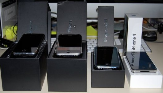 iPhone's Family - De l'iPhone 1G au 4G
