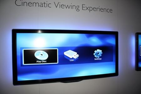 IFA 2010 - Philips voit les choses en grand avec son téléviseur 21:9