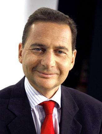 Eric Besson reprend en charge l'Economie Numérique