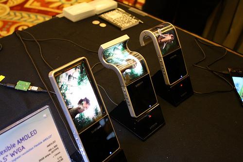 Les écrans flexibles et incassables de Samsung pour 2012