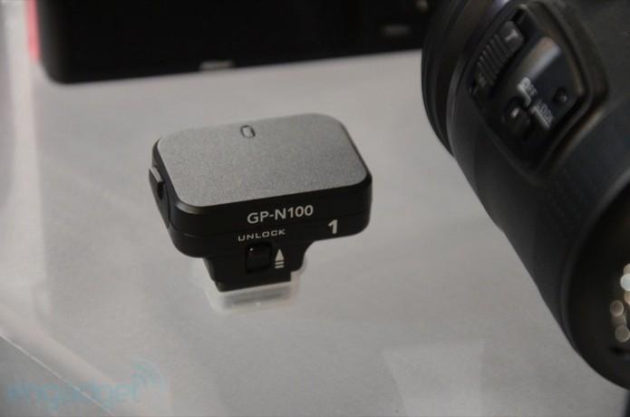 Nikon se lance dans le compact à objectif reflex avec le J1 et V1