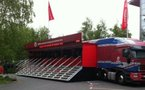 Le Truck Vodafone charge 2000 mobiles en même temps