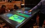 Une impressionnante table tactile de 84 pouces multi-touch chez 3M