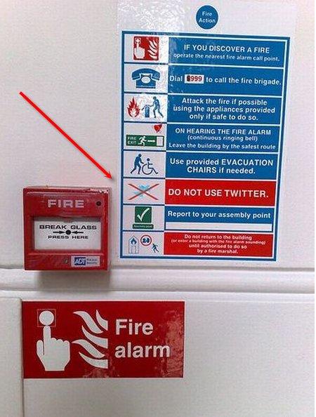 Consignes en cas d'incendie - Laissez tomber Twitter