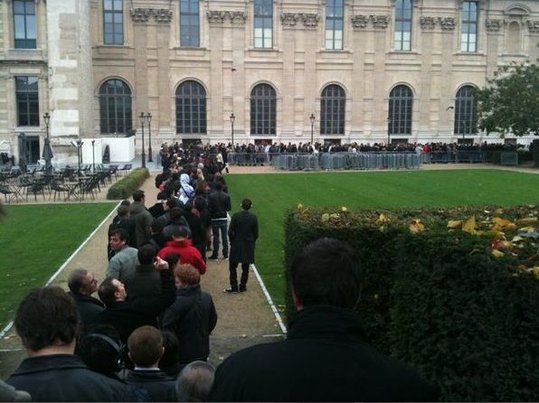 Apple Store Paris - Beaucoup de monde pour l'ouverture