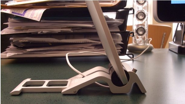 Skadoosh iPad Stand - Un dock iPad classe et pratique