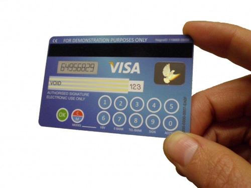 Visa va lancer une carte avec un clavier et un écran alphanumérique