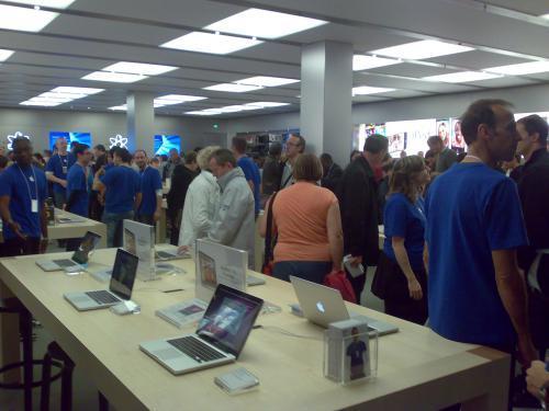 L'Apple Store de Vélizy 2 a ouvert ses portes !