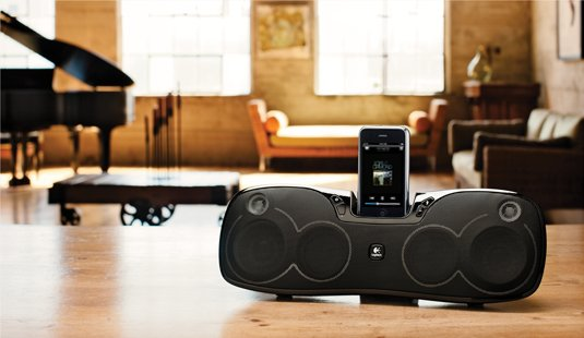 Logitech Rechargeable Speaker S715i, un dock iPod et iPhone nomade