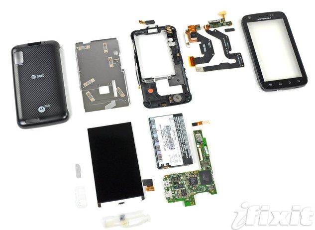 Motorola Atrix - Guide du démontage par iFixit
