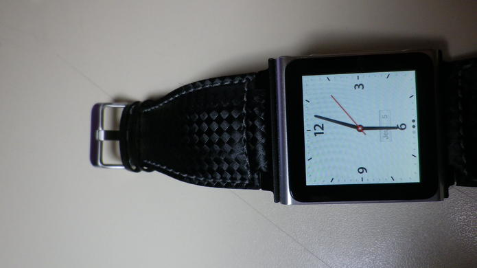 iWatchz Carbon - Le bracelet montre de luxe pour iPod Nano 6