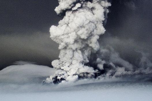 Suivez le nuage de cendres du volcan Islandais