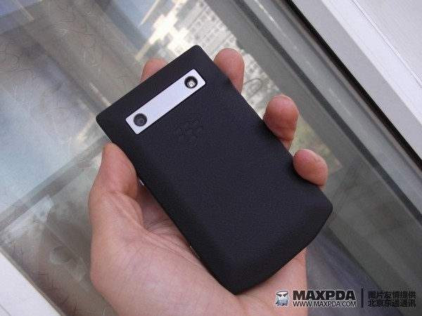 Un prototype du BlackBerry Bold 9900 en photos