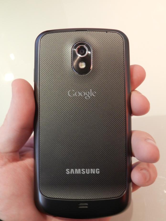 Le Samsung Galaxy Nexus en vidéo chez SFR