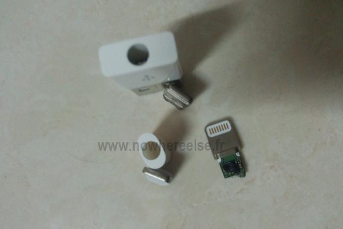 iPhone 5 - Des photos du nouveau mini dock ?