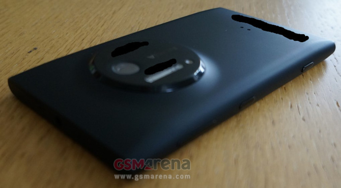 Premières images du Nokia Lumia EOS