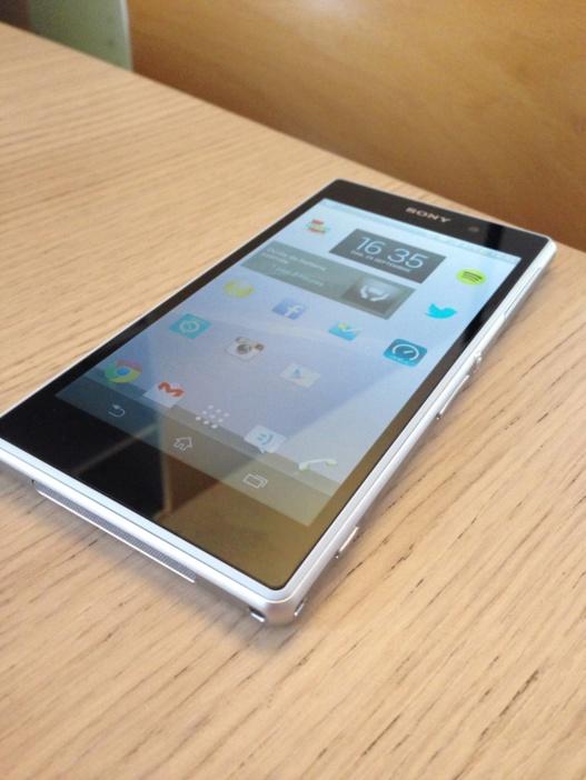 Sony Xperia Z1 - Prise en main et premières impressions (vidéo)