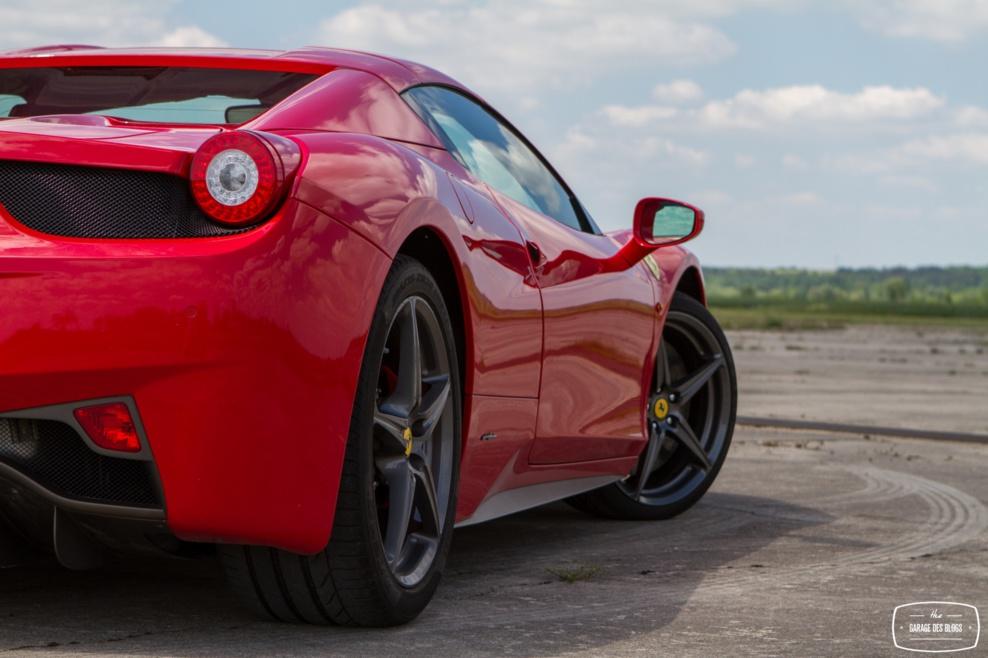 Essai de la Ferrari 458 Italia Spider par le Garage des Blogs (vidéo)