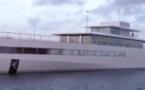Dans le port d'Amsterdam... Venus attend!